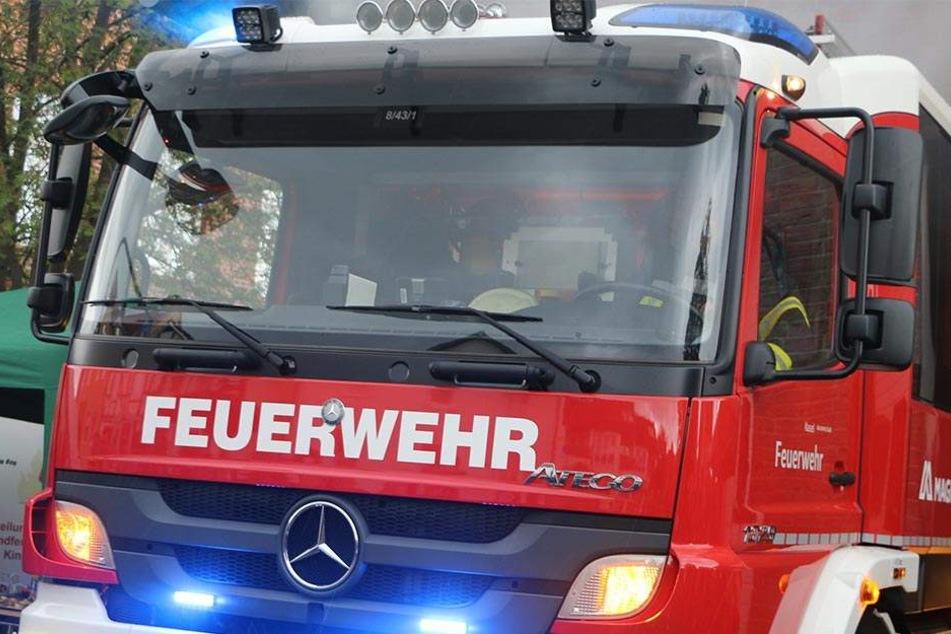 Am Ende musste die Feuerwehr denn Mann retten (Symbolbild).