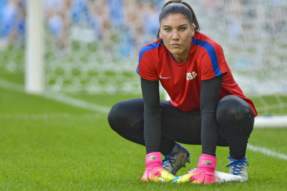 Die amerikanische Fussballerin Hope Solo wirft dem ehemaligen FIFA-Präsidenten Blatter vor, sie begrapscht zu haben.