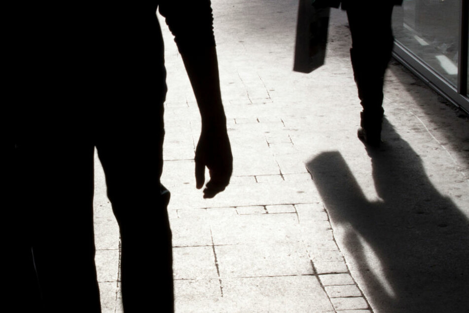 Verfolgt und überfallen: Leipziger Polizei sucht Eisenbahnstraßen-Gangster