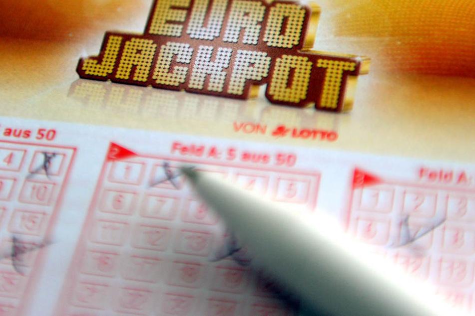 Über eine halbe Million! Sachse räumt beim Eurojackpot ab