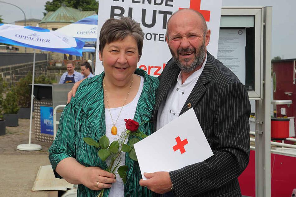 Ausgezeichnet! Roland Gäbler (59) spendete 153 Mal Blut und 150 Mal Plasma.