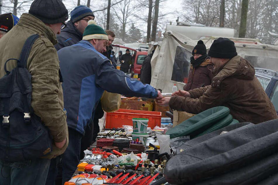 Bei ihnen greifen die Biker zu: Auch Teilehändler hielten von der Wintertreffen-Absage nichts.