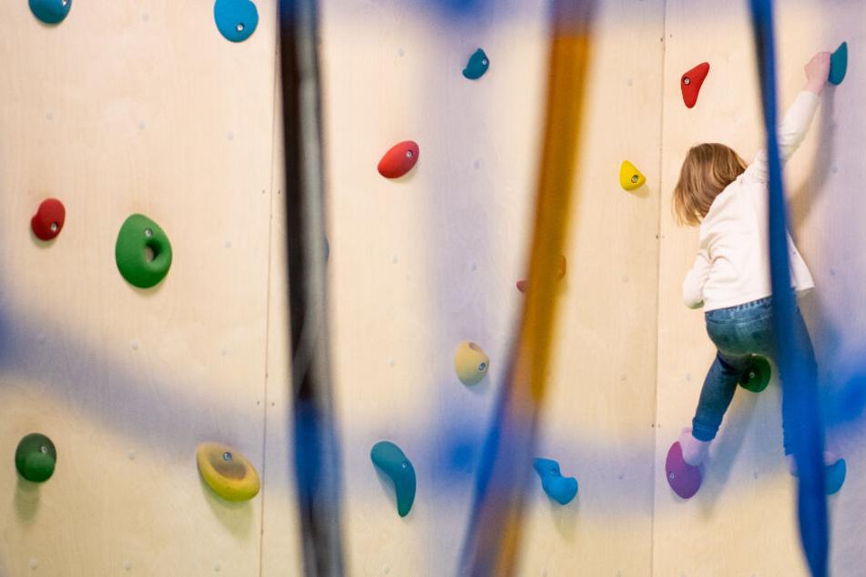 Vierjähriger stirbt im Indoor-Spielplatz: Was ist dort passiert?