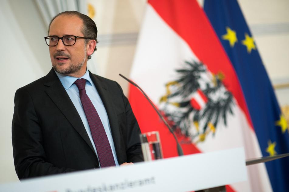 Österreichs Bundeskanzler Alexander Schallenberg (52) droht mit drastischen Maßnahmen.