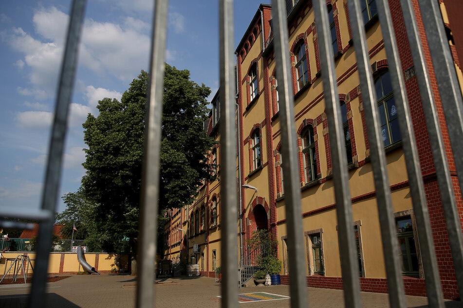 Mittlerweile sind elf Schulen in Magdeburg wegen des Corona-Ausbruchs geschlossen.