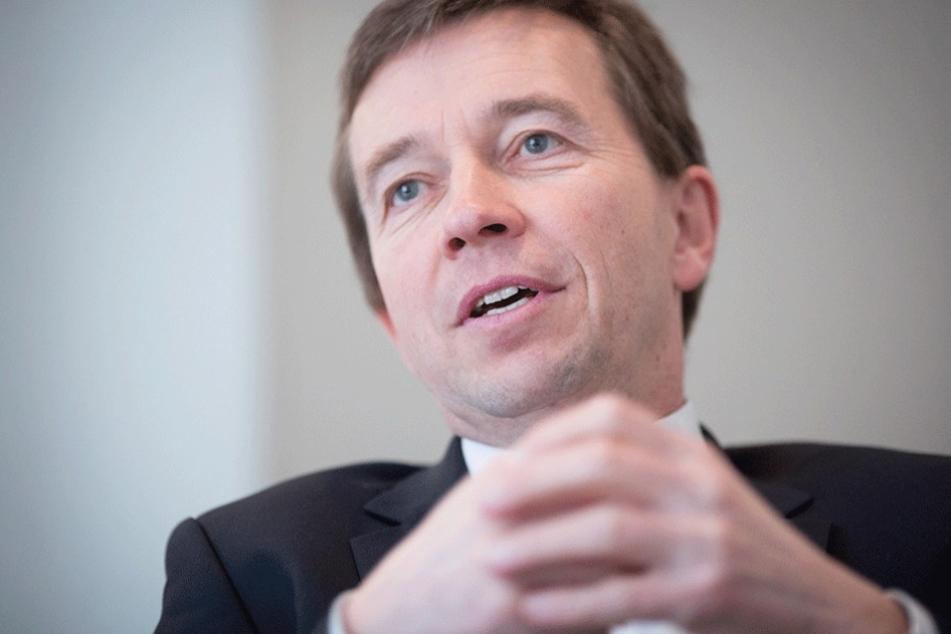 AfD-Gründer Bernd Lucke. In das Büro seiner neuen Partei Liberal-Konservative Reformer (LKR) wurde am 2. März eingebrochen.