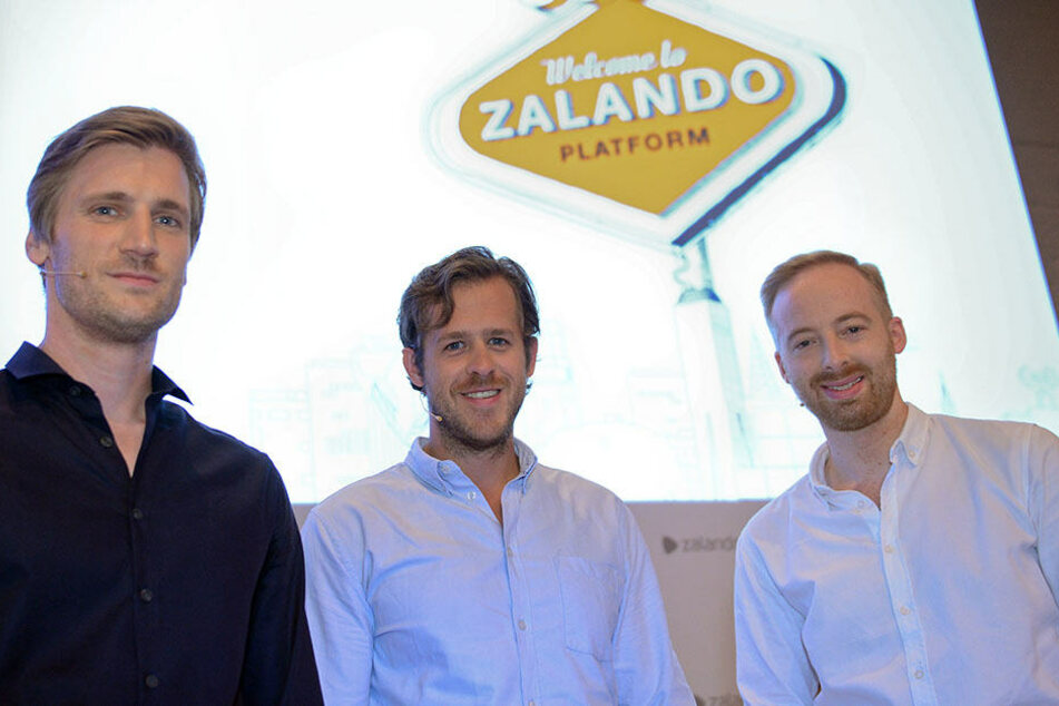 Die Vorstandsmitglieder von Zalando SE, David Schneider (l-r), Robert Gentz und Rubin Ritter.