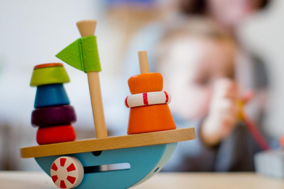 Das Erziehungsgeld ist laut SPD vor allem für bedürftige Familien wichtig. (Symbolbild)