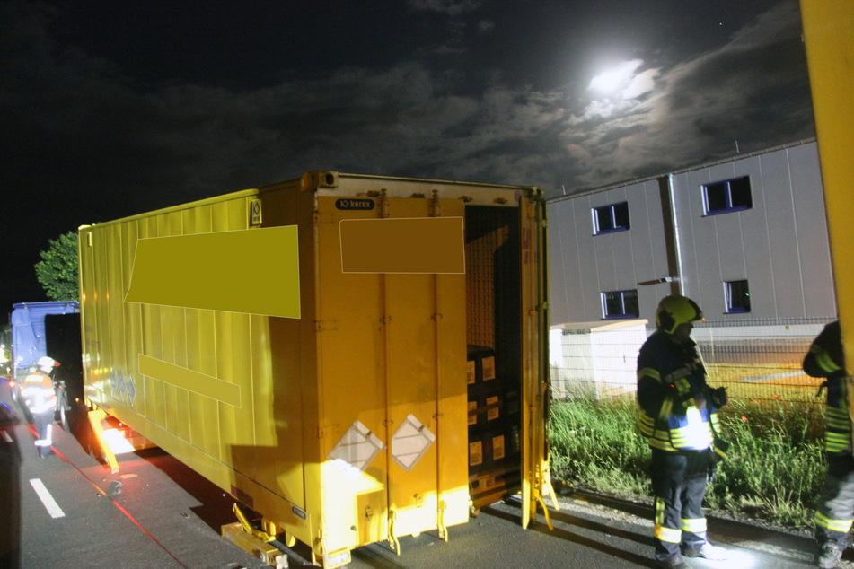 Unter dem Container, der Gefahrgut geladen hatte, wurde eine Flüssigkeit festgestellt.