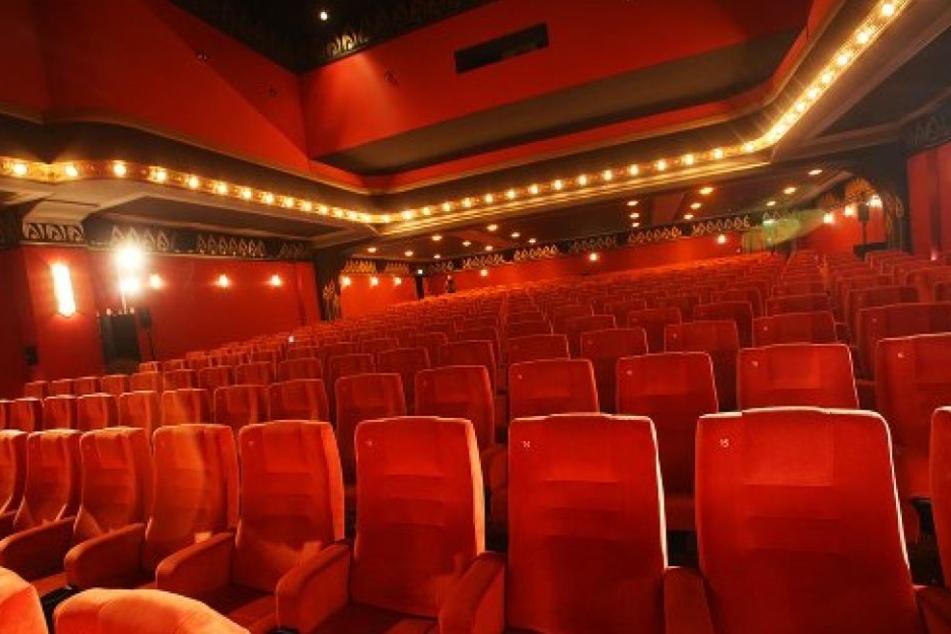 Ein Kino in Los Angeles verteilt Kotztüten, damit die Kinositze möglichst nicht in Mitleidenschaft gezogen werden. (Symbolbild)