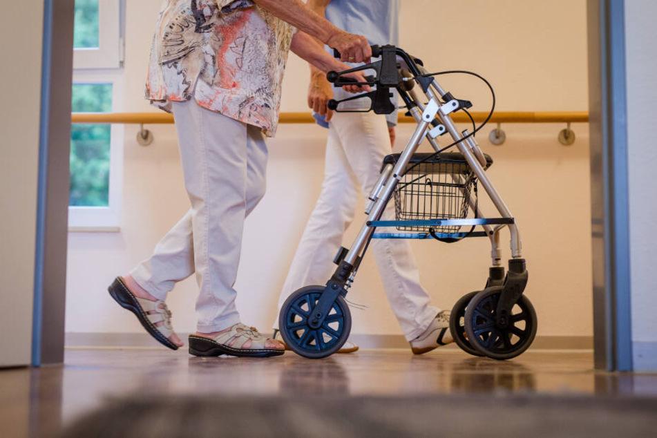 Der Pfleger hatte uneingeschränkten Zugang zu den Konten des Patienten. (Symbolbild)