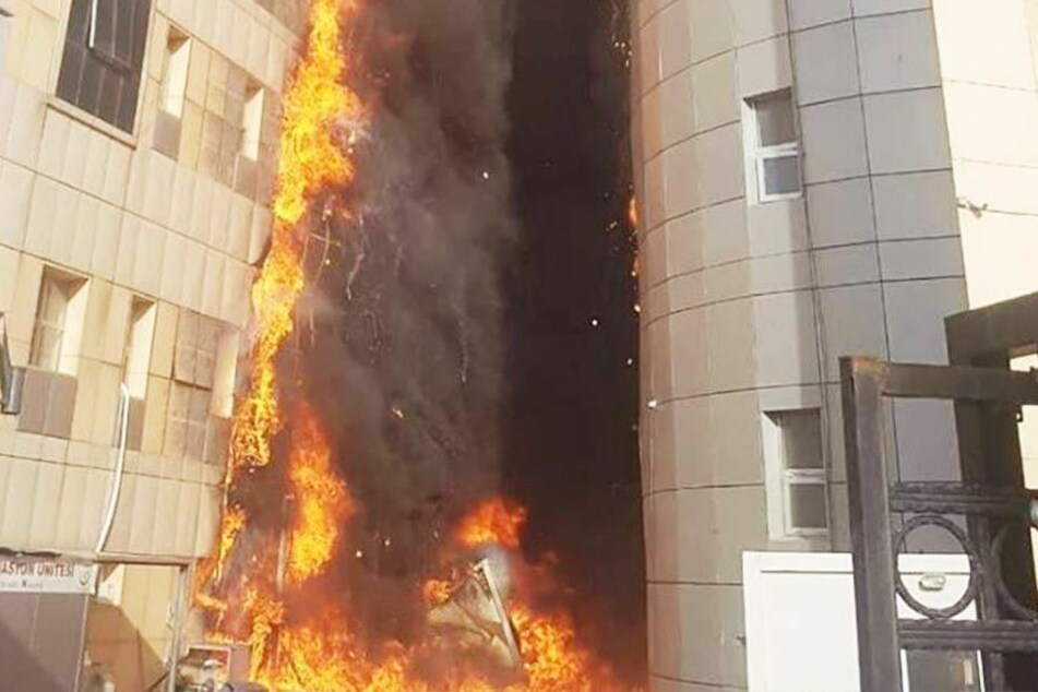 Spital in Istanbul steht in Flammen