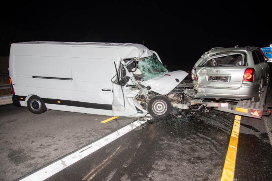 Vollsperrung auf der A4: Transporter-Unfall sorgt für Umleitungen