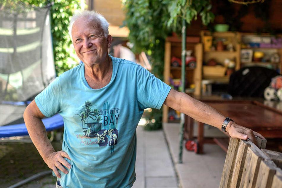 """Klaus Schnabel arbeitet mit 68 Jahren im Zentrum """"Querbeet"""" am Rosenplatz - und fühlt sich richtig gut."""