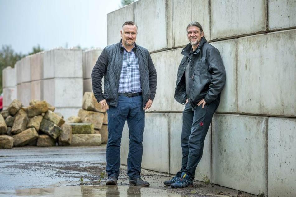 Mario Nestler (47, li.) und sein Betriebsleiter Knut Seifert (51).