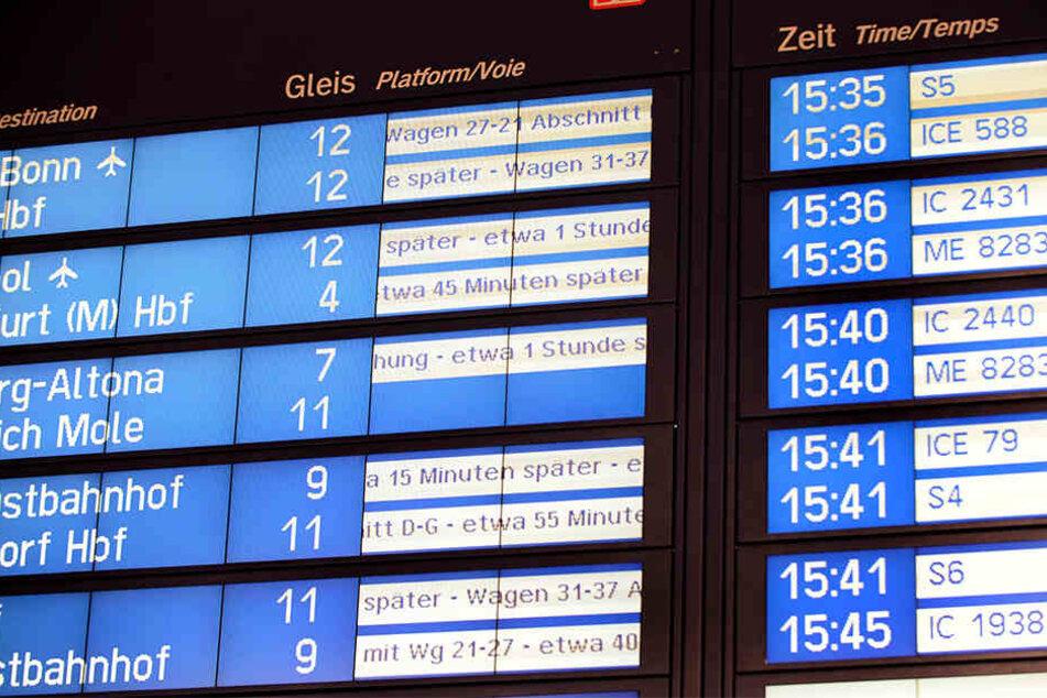 Immer wieder kommt es bei der Bahn zu Verspätungen. Aber Fahrgäste können Entschädigungen einfordern. (Symbolbild)