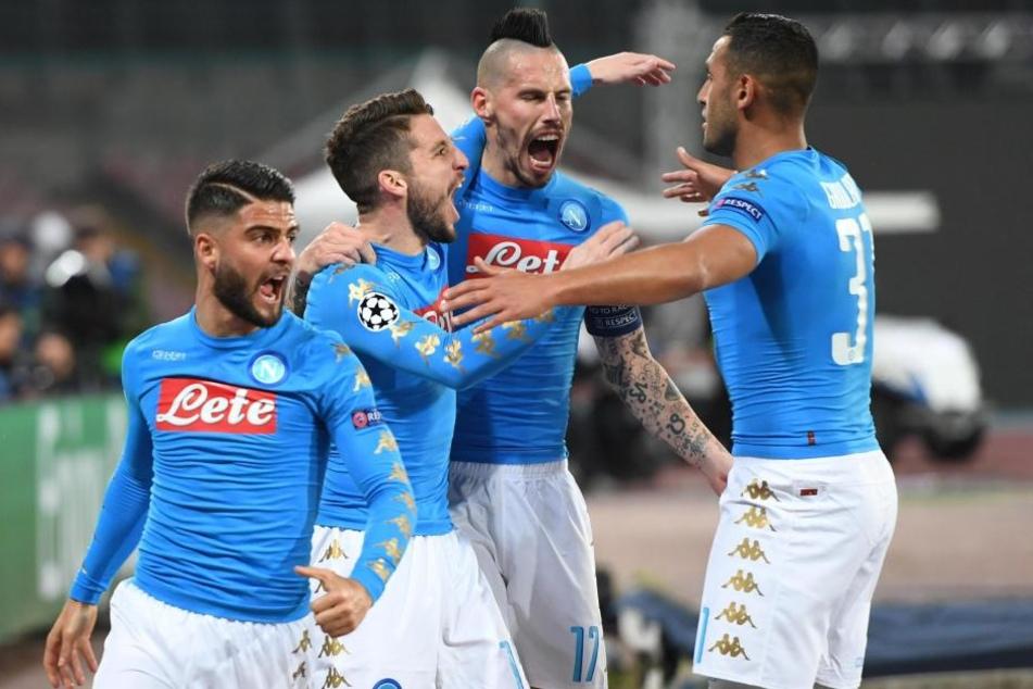 Der SSC Neapel um seine Stars Lorenzo Insigne, Dries Mertens, Marek Hamsik und Raul Albiol (v.l.n.r.) wird am Donnerstag wohl nicht auf breite Unterstützung seiner Fans hoffen können.