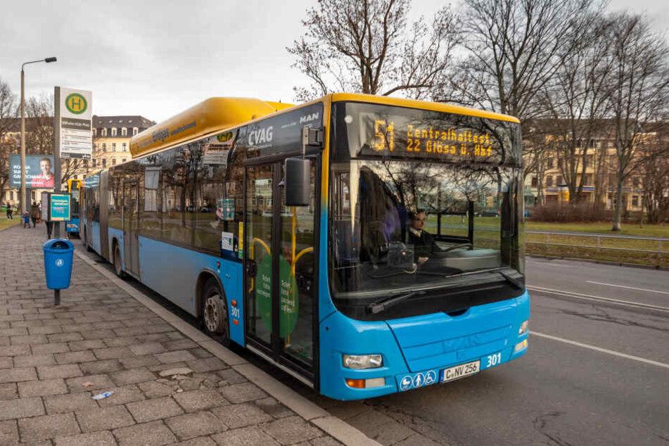 Hier am Wilhelm-Külz-Platz schlägt die Buslinie 51 seit der CVAG-Reform eine neue Route ein. Dafür fallen wichtige Haltestellen wie der Hauptbahnhof weg.