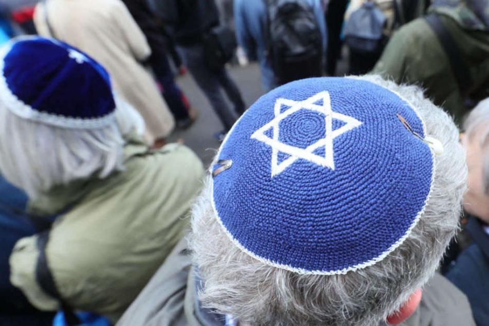 Die Zahl der antisemitischen Übergriffe nimmt in Deutschland alarmierend zu. (Symbolbild)