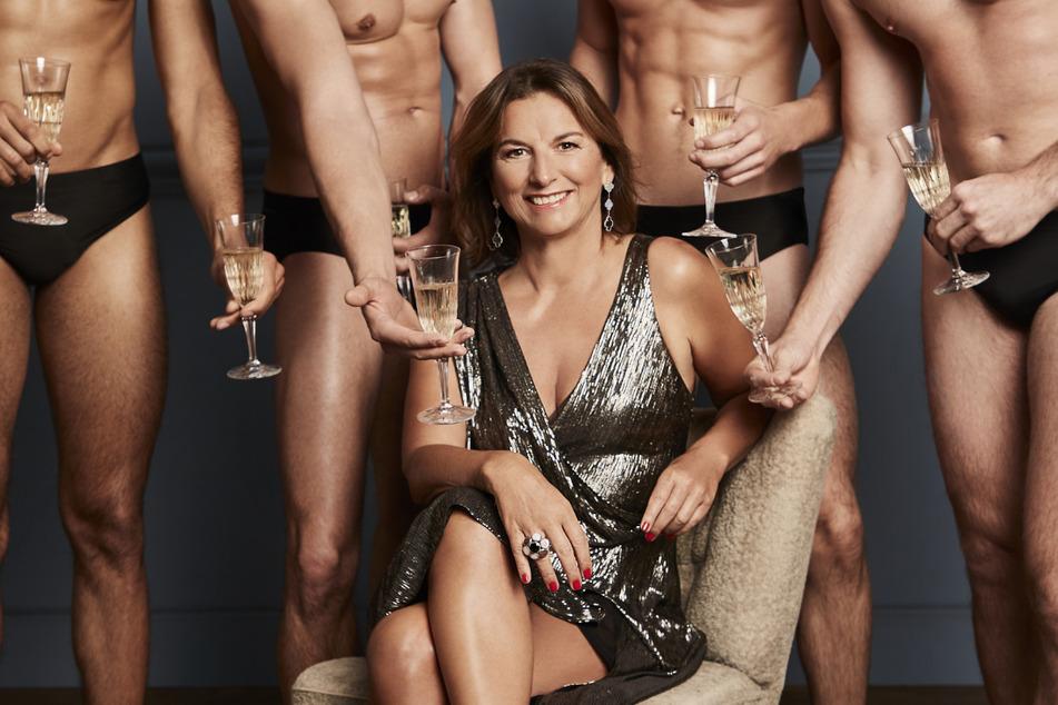 Begehrt bei den Männern, aber nicht bei den Zuschauern? Claudia Obert (59) muss die Verschiebung ihrer Show verkraften.