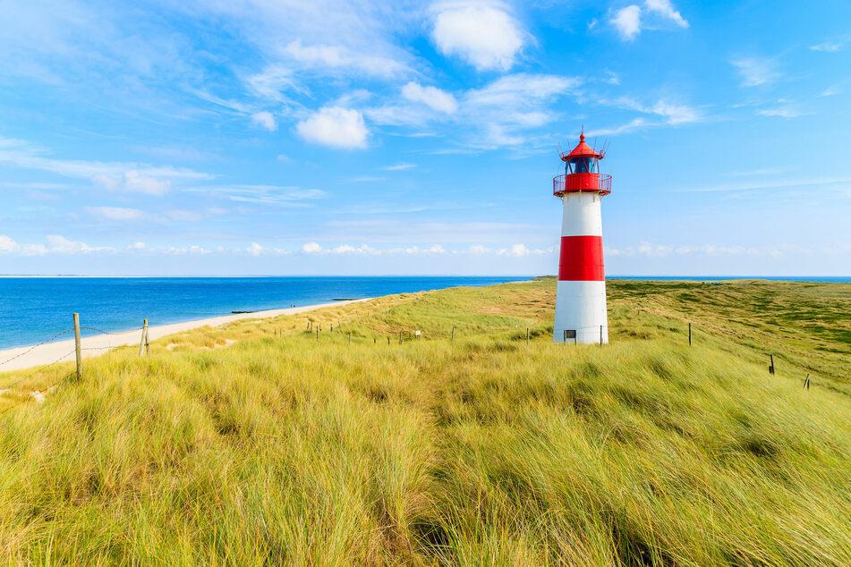 Typisch Schleswig-Holstein: ein Leuchtturm an der Nordseeküste (Foto: 123RF/Pawel Kazmierczak)
