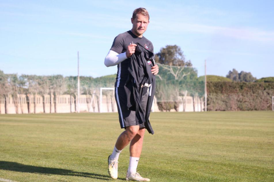 Mit seinen 32 Jahren noch fit wie ein Turnschuh: Veilchen-Schlitzohr Jan Hochscheidt spult im spanischen Camp das Vorbereitungsprogramm des FCE herunter.