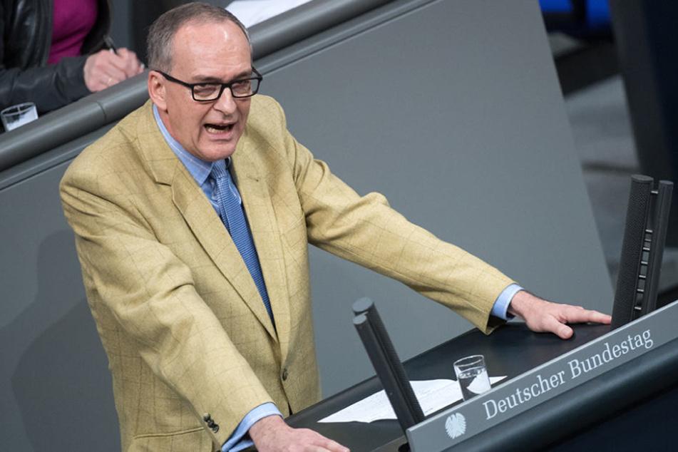 Der rechtspolitische AfD-Sprecher Roman Reusch (64) bei einer Rede im Bundestag. (Archivbild)