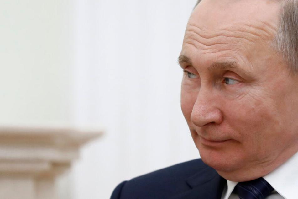 Trennung von Kirche und Staat? Putin will Gott in der Verfassung verankern!