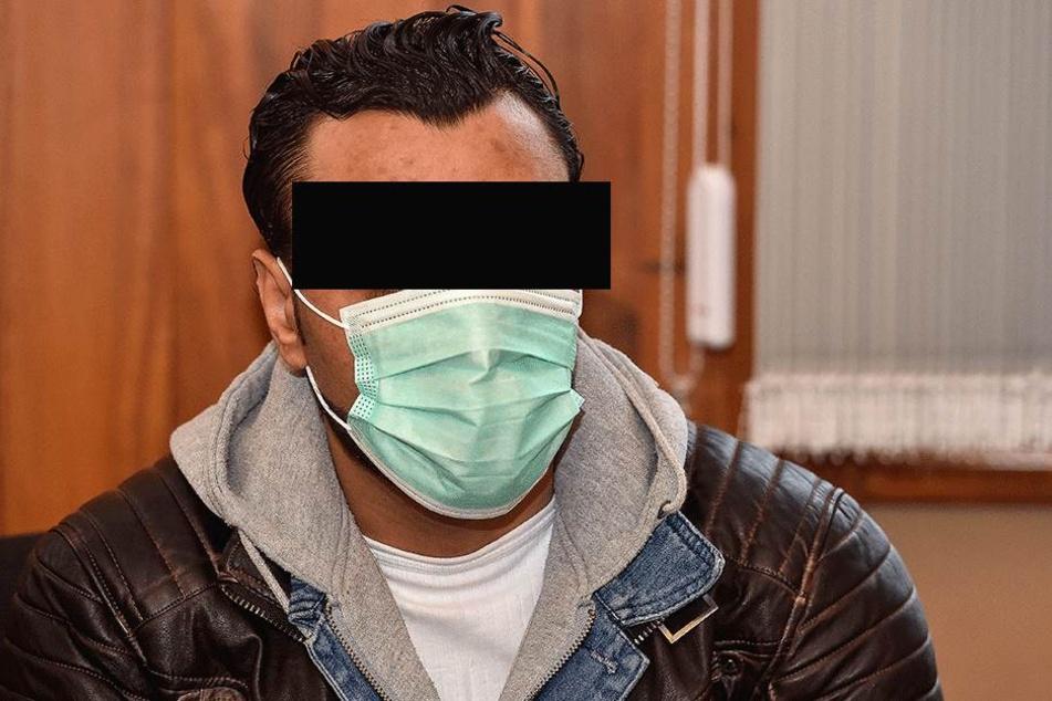 Samer D. kam mit Mundschutz zum Prozess, weil er eine Grippe hat.