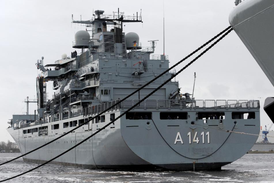 Marineschiff läuft in Corona-Krise ohne großen Abschied zur Ägäis aus