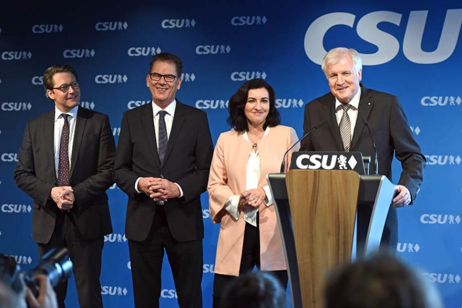 Die CSU-Mannschaft für Berlin: Scheuer, Müller, Bär und Seehofer (v.li.).