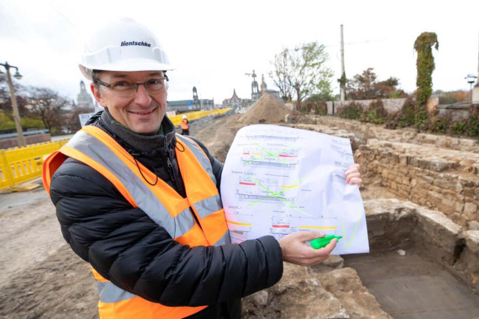 Bauamtsleiter Robert Franke (42) kann wieder einen Bauabschnitt abhaken. Zu tun gibt es aber noch genug.