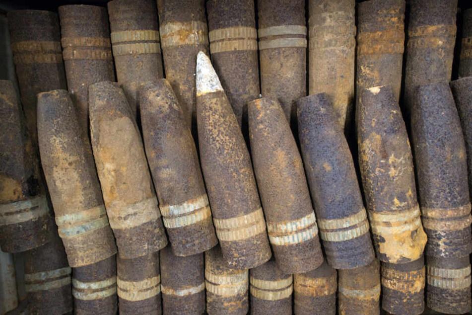 Die im Fluss Wilde Luppe an der A9 bei Leipzig vermutete Weltkriegsmunition soll voraussichtlich im Mai geräumt werden.