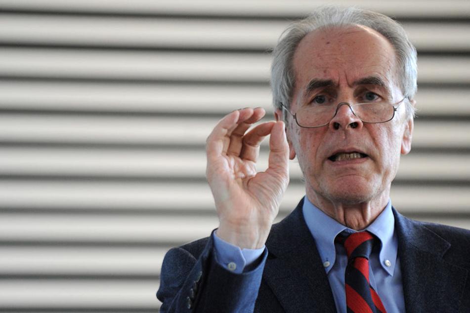 Der Kriminologe Christian Pfeiffer kritisiert das Vorgehen der Polizei und Justiz in Sachsen.