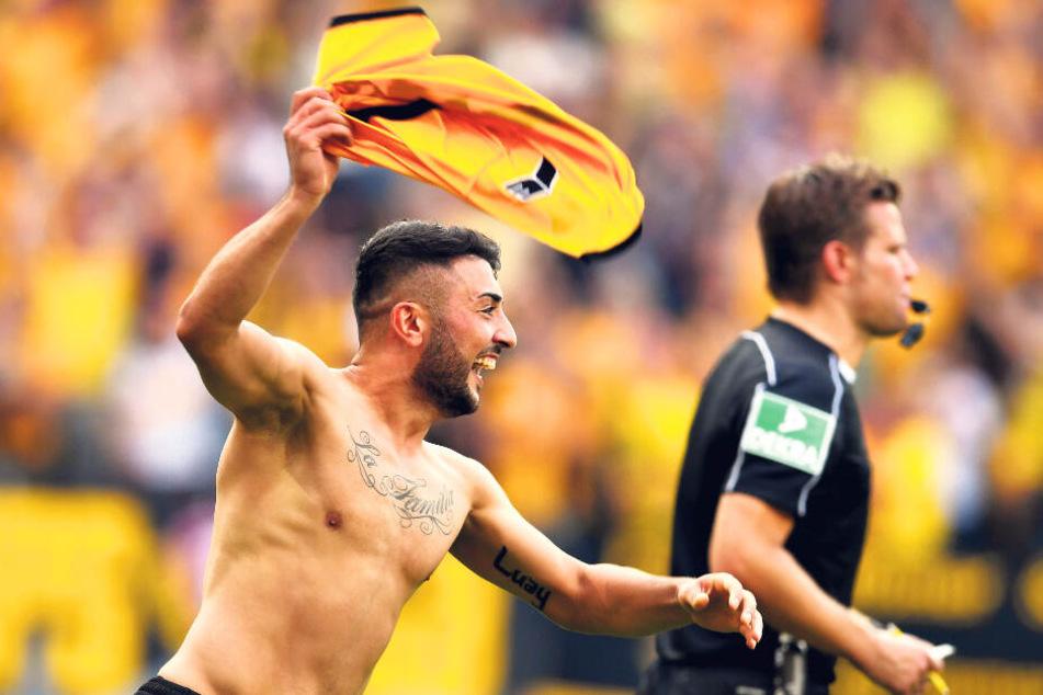 Vier Jahre trug Aias Aosman das Dynamo-Trikot - oder zog es wie hier nach seinem Siegtor gegen RB Leipzig auch mal aus.