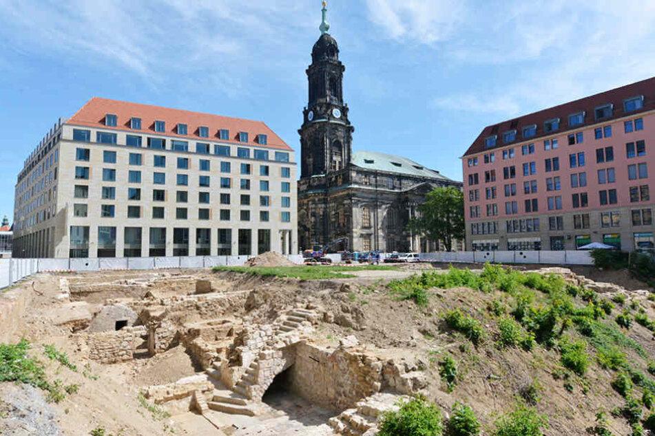 Mit diesem letzten Ausgrabungsfeld in zweiter Altmarkt-Reihe ist das ganze  Areal rund um den Markt erforscht.