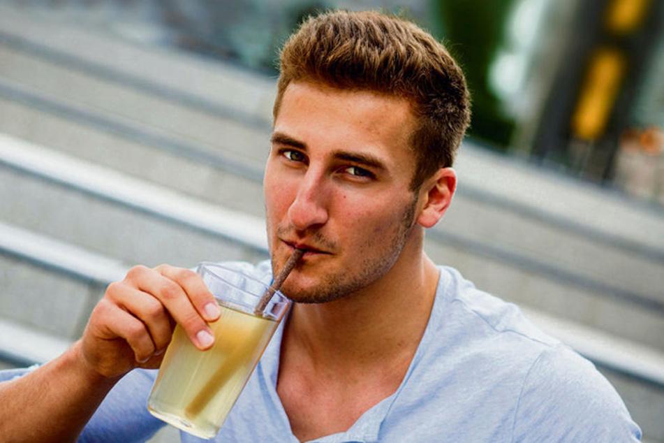 """Konstantin Neumann (21) aus Langenbernsdorf bei Werdau ist einer der drei Gründer von """"Eatapple""""."""