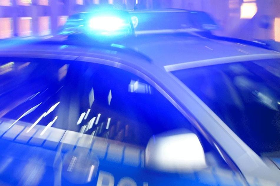 Nach einer wilden Verfolgungsjagd konnte die Polizei den Autodieb stoppen. (Symbolbild).