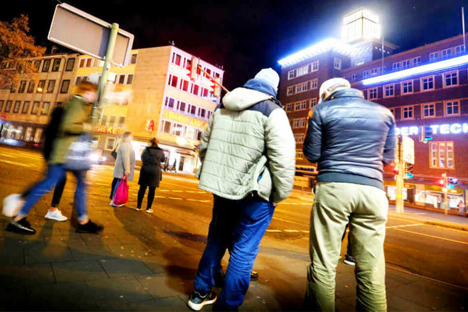 Unbekannter verprügelt 19-Jährigen am Jahnplatz