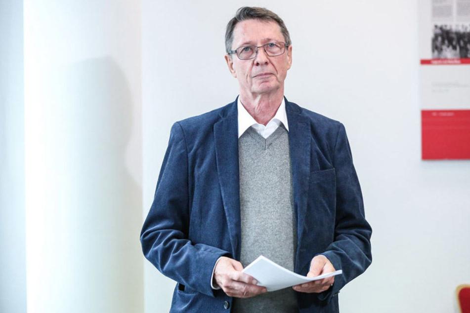 Ehrhart Körting (75, SPD)