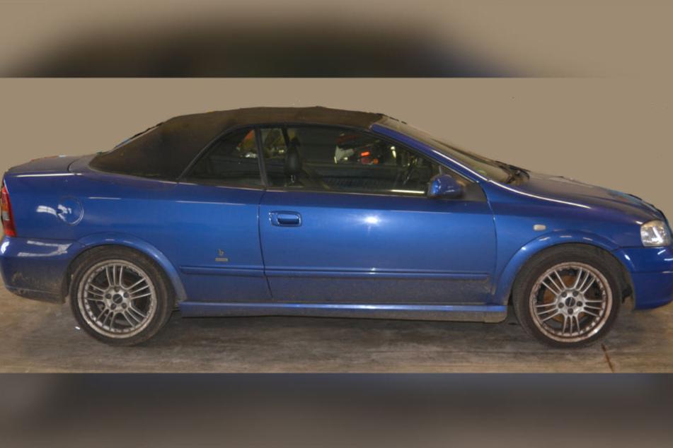 Wer hat in der Nacht ein Opel Astra Cabrio in Bad Oldesloe gesehen?