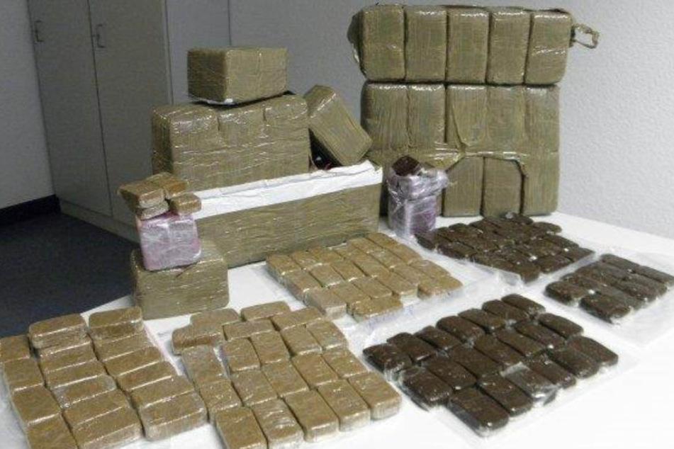Der Drogendealer wurde nach dem Haschischfund in Untersuchungshaft gesteckt.
