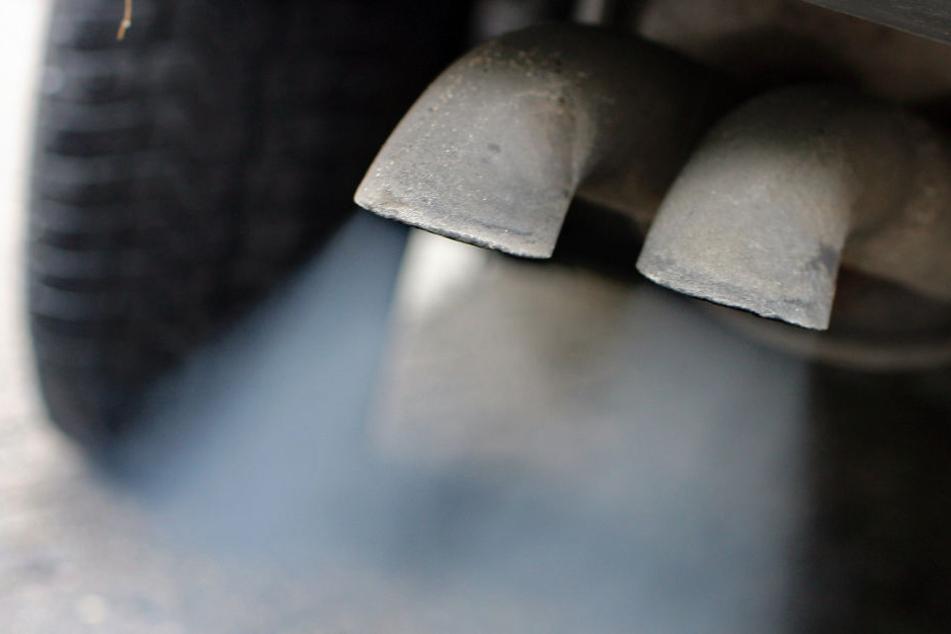 Schrecklicher Arbeitsunfall! 19-Jähriger erleidet schwere Verbrennungen