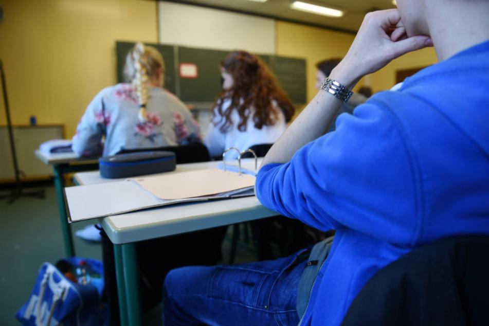Die Reform der gymnasialen Oberstufe wurde etwa von den Gewerkschaften gefeiert. Jetzt melden sich die Schüler. (Symbolbild)