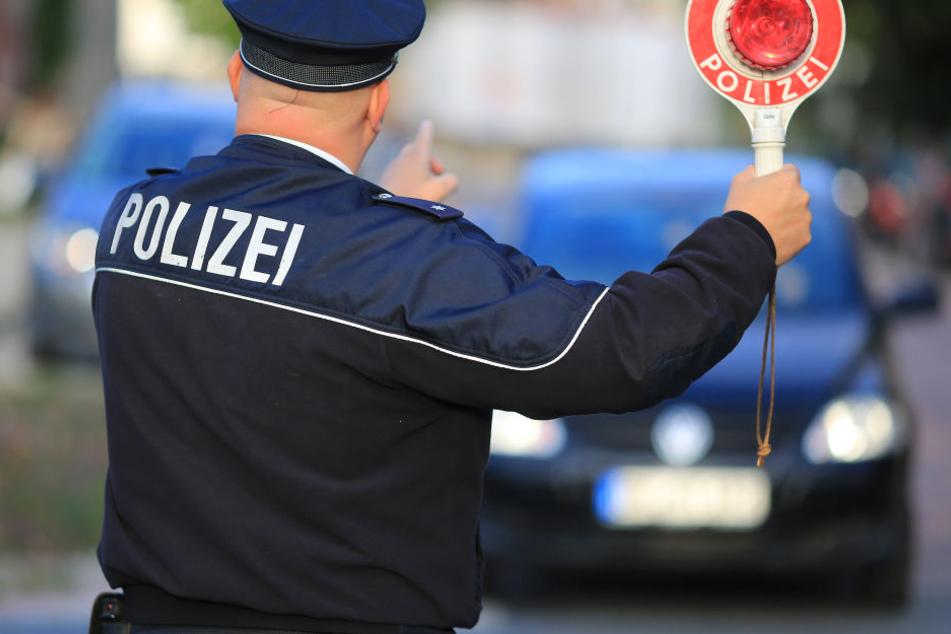 Die Polizei konnte die betrunkene Mutter stoppen. (Symbolbild)