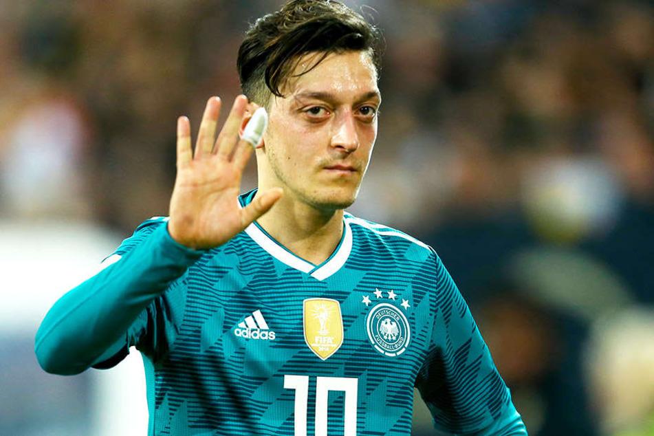 Ist gesundheitlich auf dem Weg der Besserung: Arsenals Mesut Özil.
