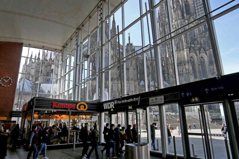 Nicht mal Klappmesser: Polizei verbietet alle Waffen im Kölner Hauptbahnhof