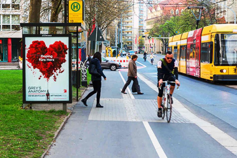 Tatort Güntzstraße, Haltestelle Dürerstraße: Hier kam das Opfer unter die Räder des Rolli-Fahrers.