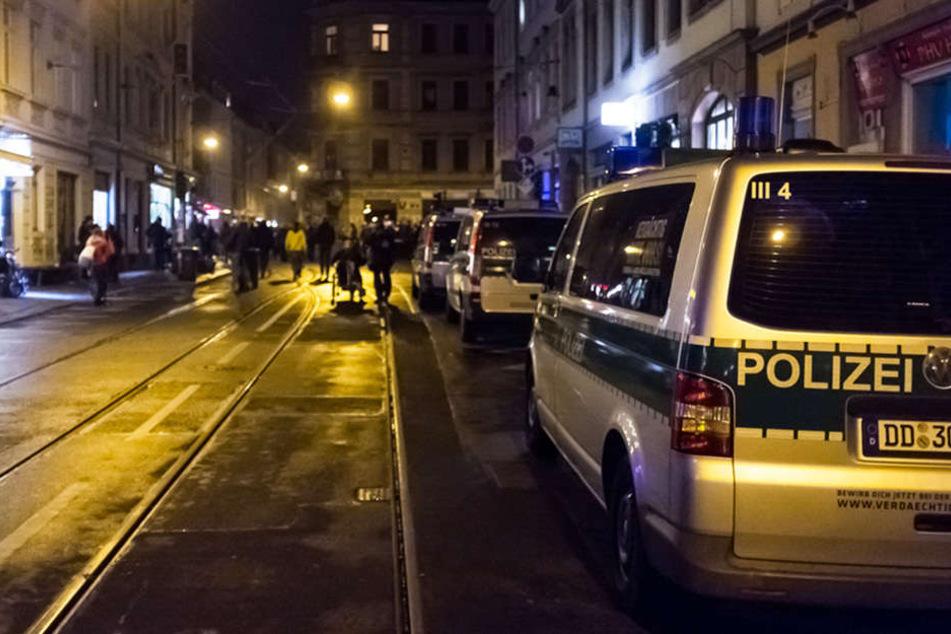 Einsatz in der Neustadt: Polizei findet per Haftbefehl gesuchten Mann und Vermisste