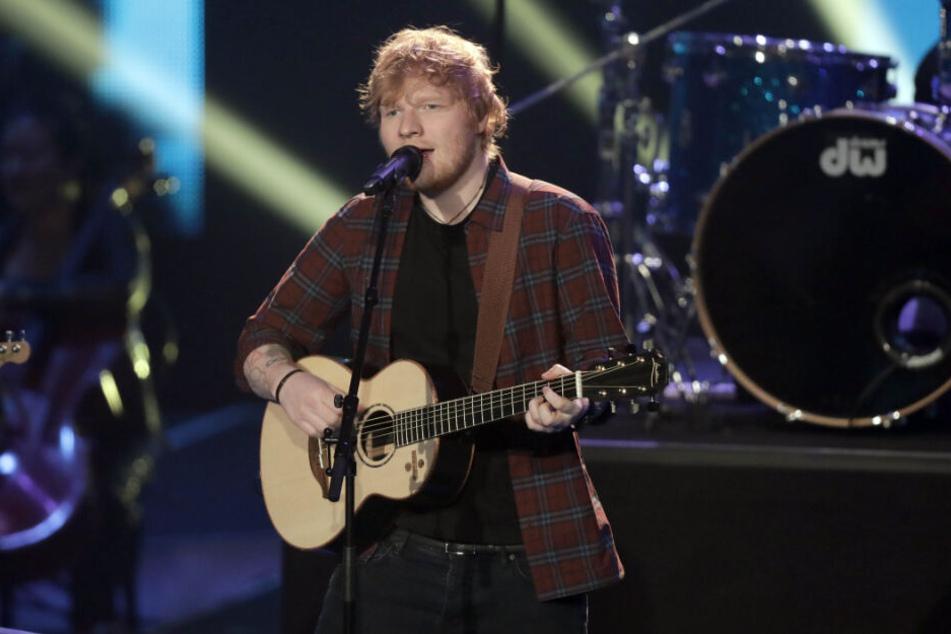 """Ed Sheeran 2017 auf der Bühne beim Finale der Castingshow """"Voice of Germany""""."""